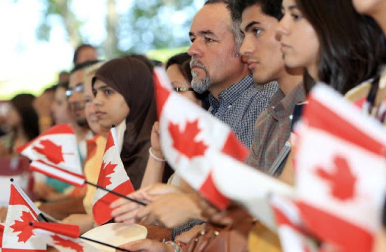加拿大单月增新移民3.5万!移民部长表态:今年移民数量一定创新高